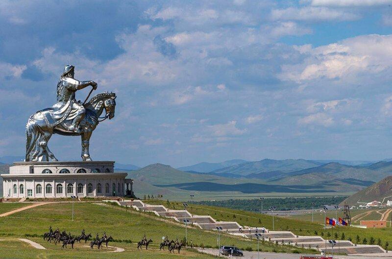 На 68-м месте 40-метровая конная статуя Чингисхана в Цонжин-Болдоге, недалеко от Улан-Батора, столицы Монголии. Это крупнейшая конная статуя в мире в мире, высота, красота, люди, памятник, подборка, статуя, факты