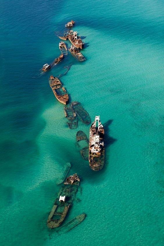 Остров Мортон (Moreton Island) — песчаный остров, неподалёку от Брисбена, Австралия. Это один из австралийских национальных заповедников. выброшенные, жизнь, катастрофа, корабли, красота, невероятное
