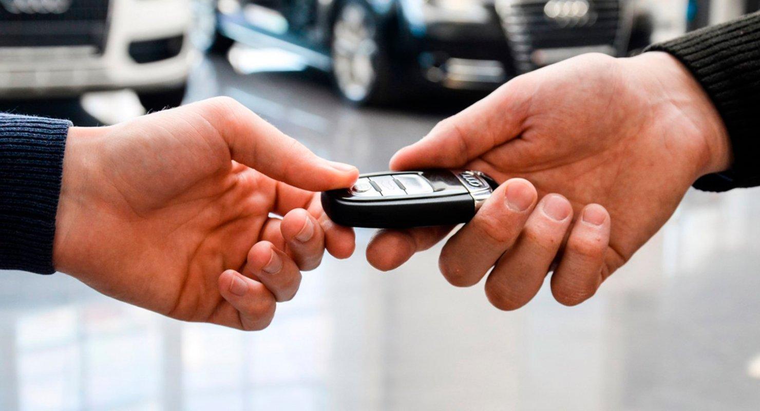Российским автомобилистам рассказали, как покупать авто через Госуслуги Автомобили