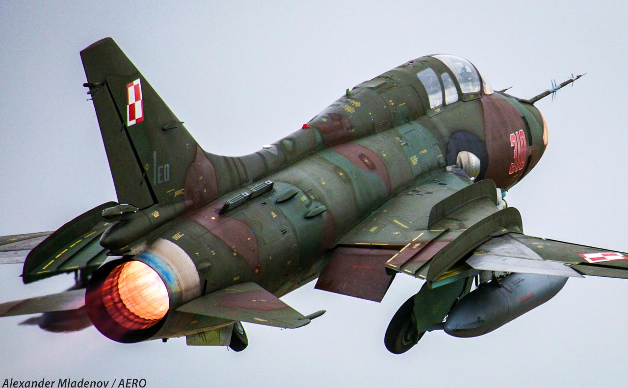 Эксплуатация польских истребителей-бомбардировщиков Су-22