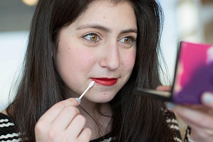 20 способов использования ватных палочек, о которых стоит знать всем женщинам