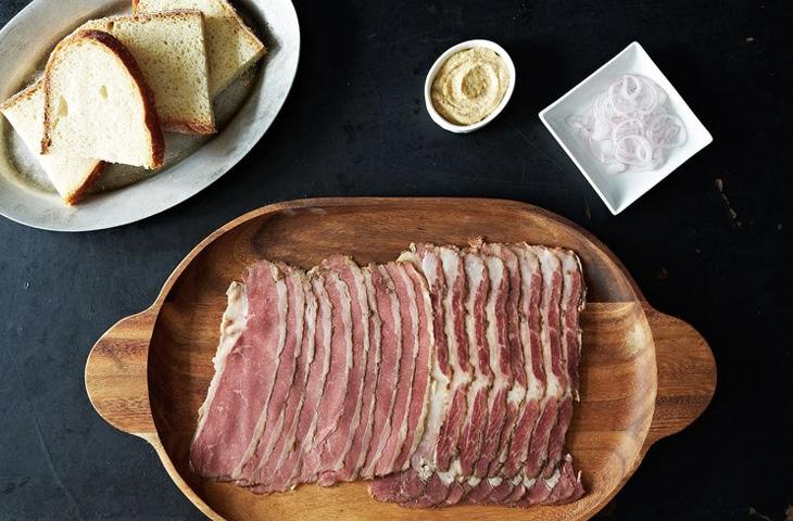 Как приготовить вкуснейшую пастрому дома