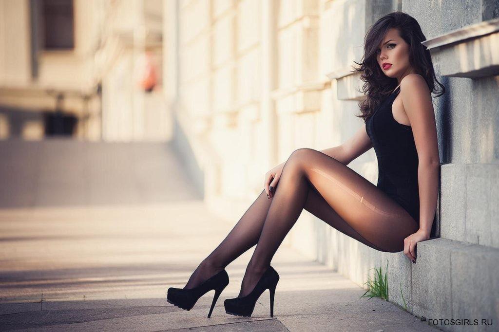 фото сексуальных ног девушек в колготках