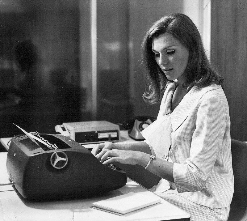 Мама Элона Маска, Мэй Маск в рекламе печатной машинки. 1960-е история, ретро, фото