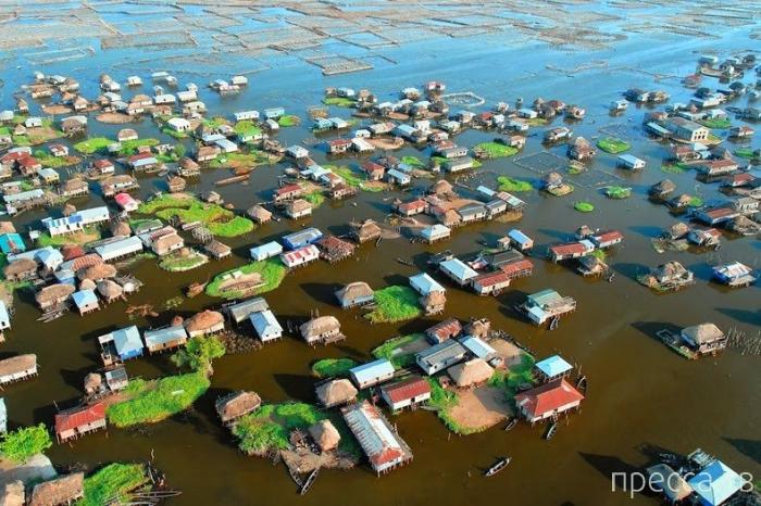 Ганвие – уникальная плавающая деревня на озере Нукуе