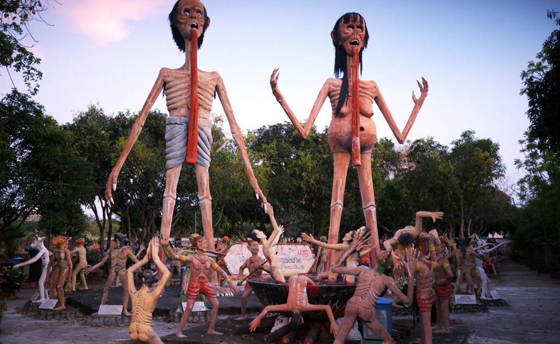 Самые страшные статуи мира