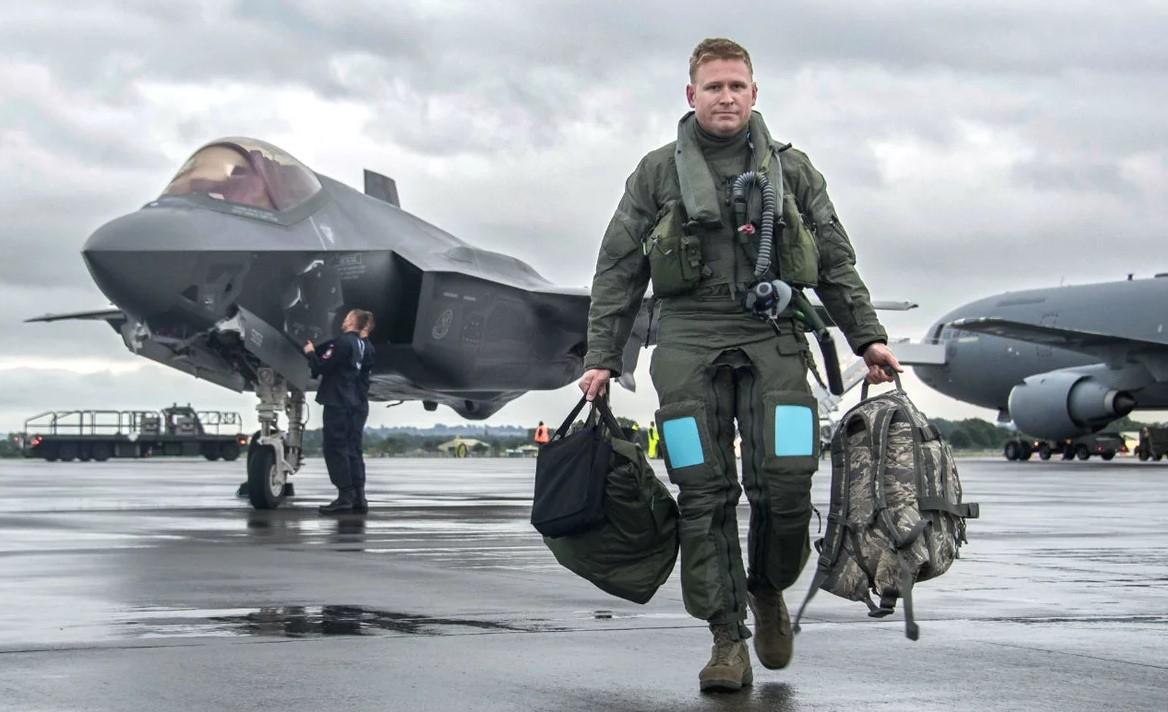 «Красуха» вывела из стоя американские F-22 и F-35 Ближний Восток,истребители,Красуха,Россия,РЭБ,США