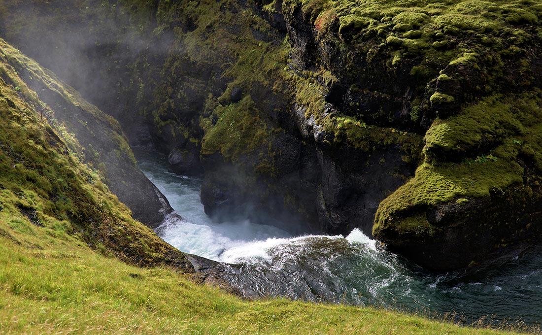 Где снимали «Игру Престолов»: места которые можно увидеть своими глазами flickrCC, находится, увидеть, Исландии, Porras, Nieto, можно, «Игру, Престолов», места, снимали, возле, место, пещера, лавовая, озера, небольшая, Миватн, фанат, 10Грётегья