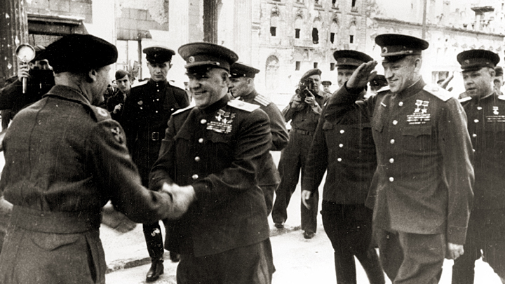 Рассекречен тайный доклад: Почему Сталин не поверил в смерть Гитлера история