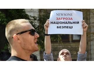 От смешного до жуткого — один шаг. И на Украине он, похоже, уже сделан украина