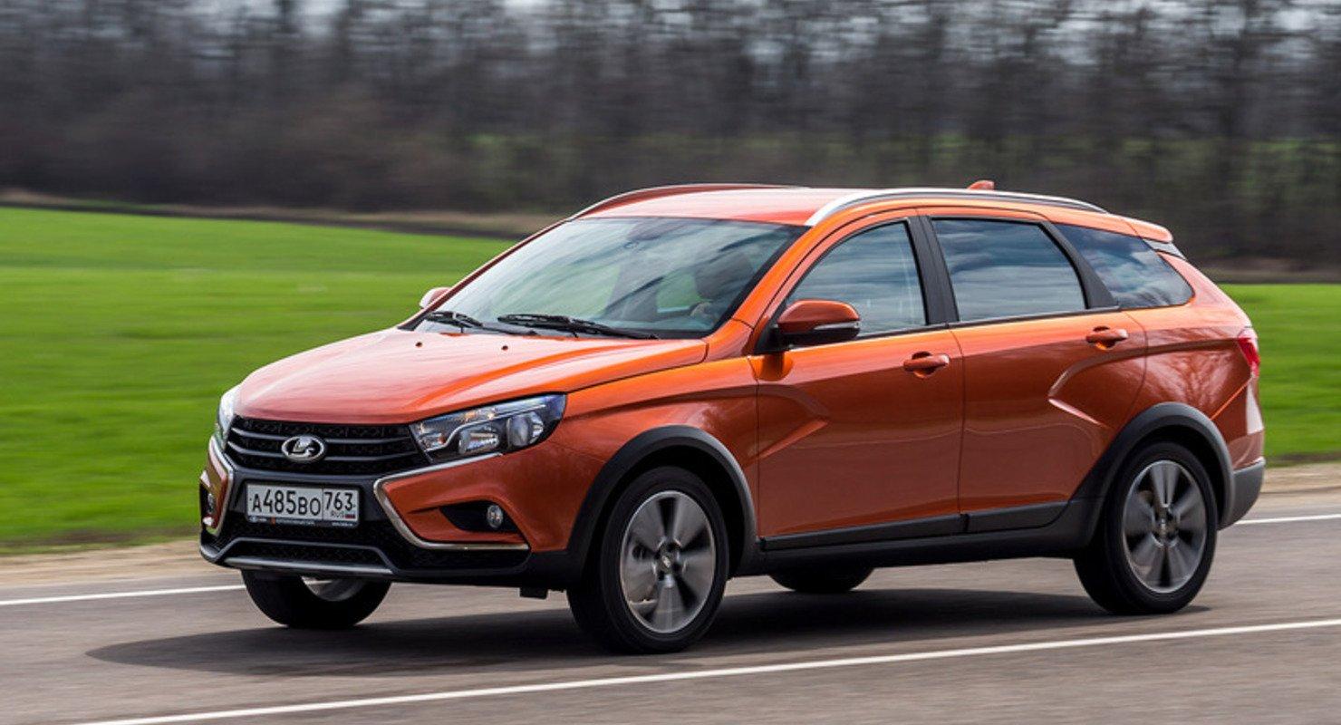 Покупатель проболтался о сроках начала продаж Vesta с новой мультимедиа Автомобили