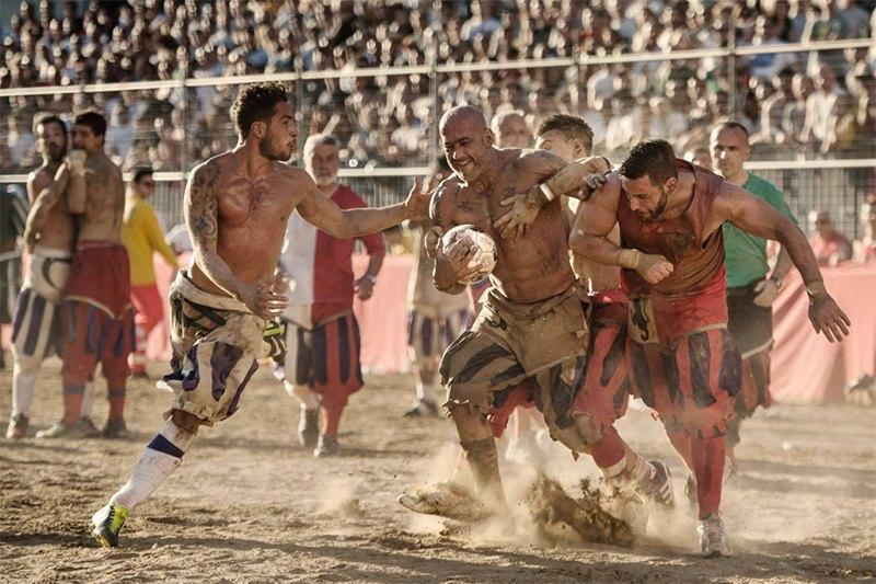 Самая кровожадная разновидность футбола — кальчо флорентино