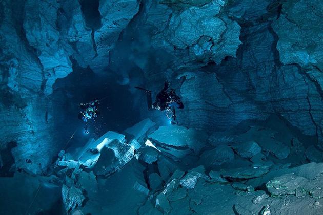 Черные дыры по водой, ведущие вглубь Земли: находки дайверов