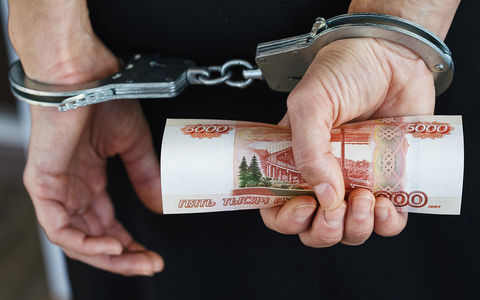 Элитных сотрудников ГИБДД поймали на взятке