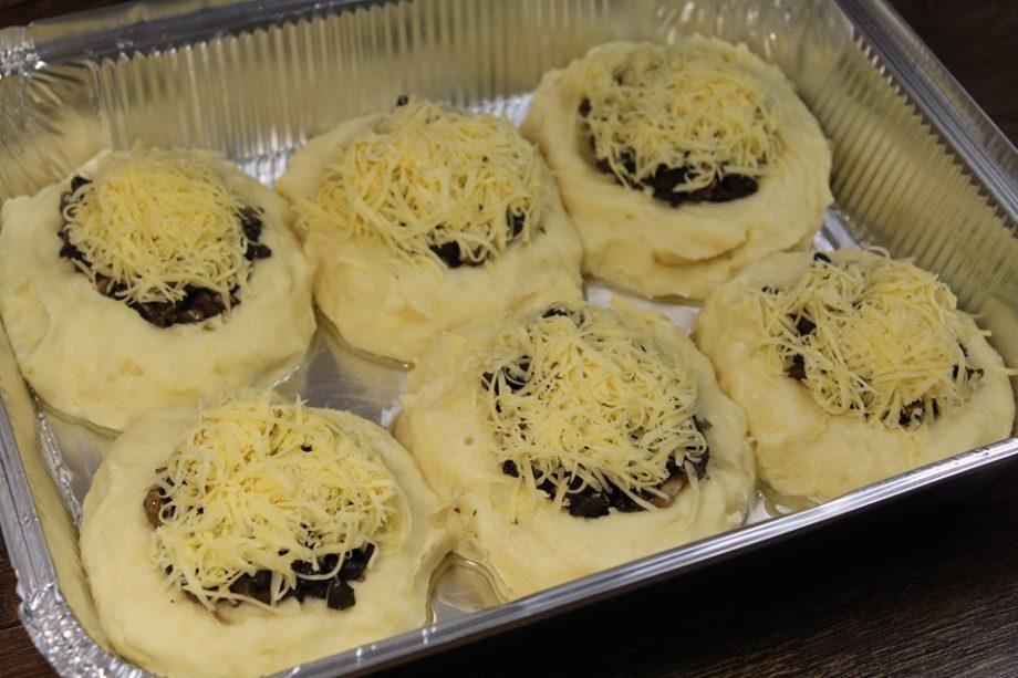 Надоела банальщина? Вот вам отличная идея превосходного ужина — картофельные гнезда