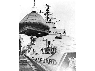 Как СССР США капсулу от «Аполлона» возвращал...