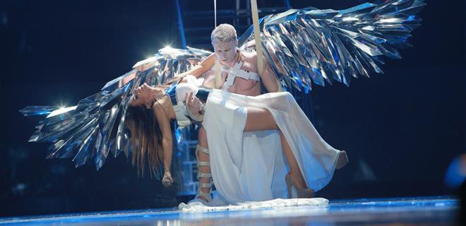 Укроэмигрантское шоу Ани Лорак посеяло панику у здешних звезд