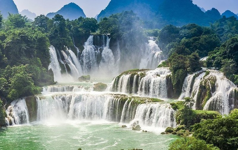 Водопад Дэтянь на границе Китая и Вьетнама виды, города, китай, красота, необыкновенно, пейзажи, удивительно, фото
