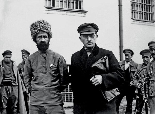 Миронов со своим защитником на судебном процессе в 1919 году
