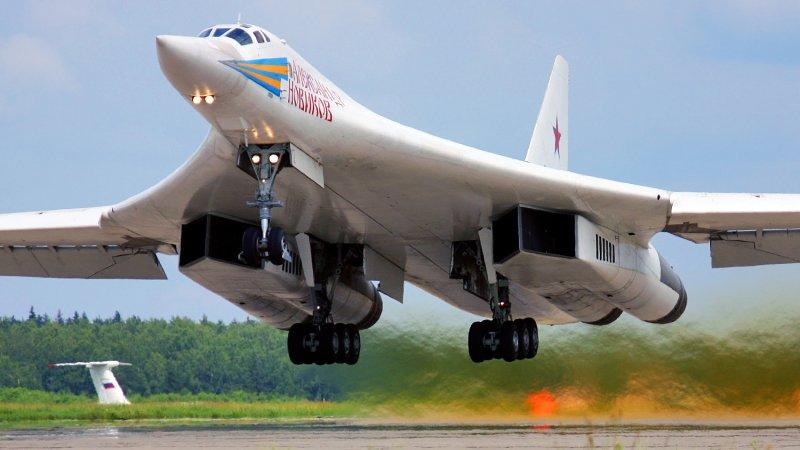 Пистолет у виска Вашингтона: Эксперт прокомментировал позицию США о перелете Ту-160 в Венесуэлу