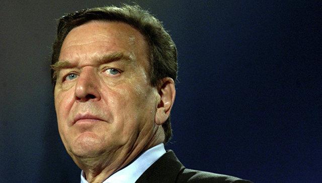 Шредер считает, что самое сложное в политике - быть президентом России