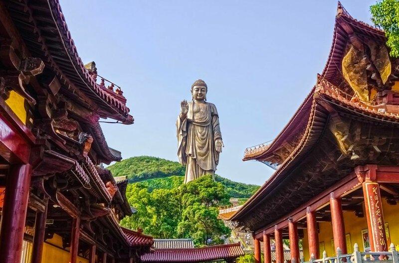 Большой Будда на острове Лантау в Гонконге, 79 м в мире, высота, красота, люди, памятник, подборка, статуя, факты