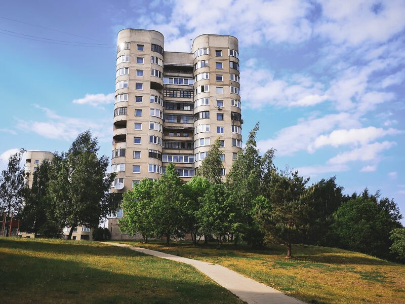 Здание рядом с домом, в котором живет Мантас  Чернобыль, кино, литва, место, сериал, съемка, фото