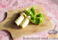 Фото приготовления рецепта: Зимний смузи из яблока, банана и киви - шаг №2