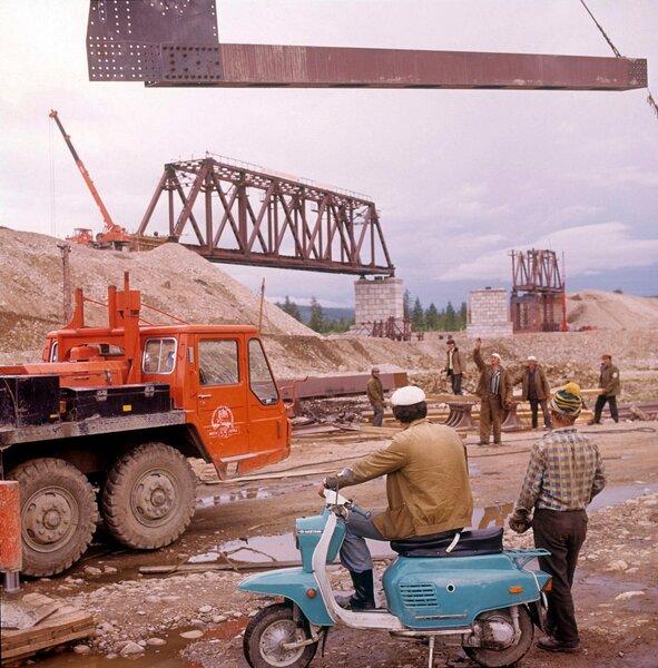 Фотографий с автомобилями времен СССР история россии