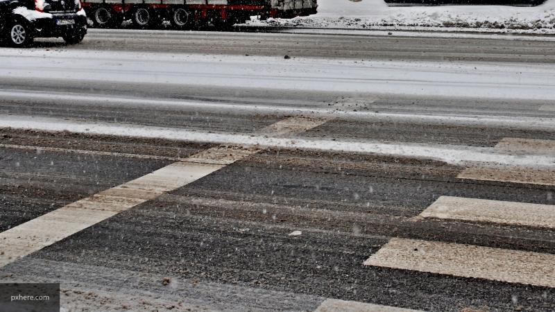 Рабочая неделя в Петербурге начнется с мокрого снега и гололеда