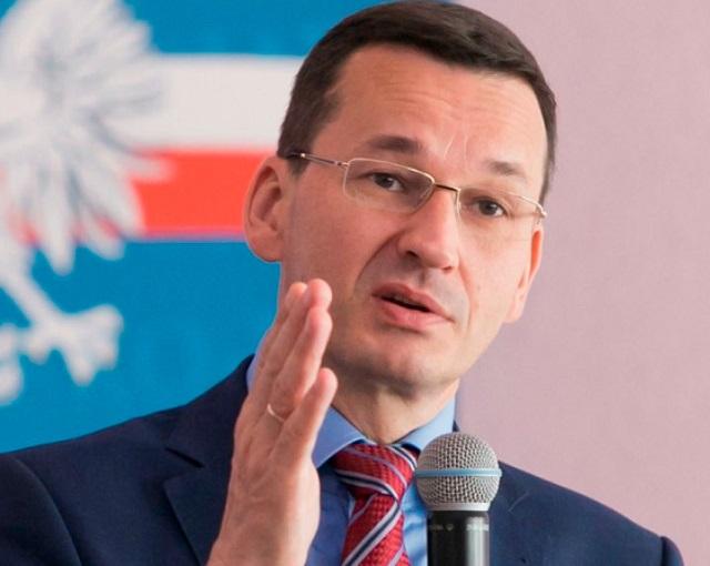 Премьер Польши отказал российским детям в воде и еде
