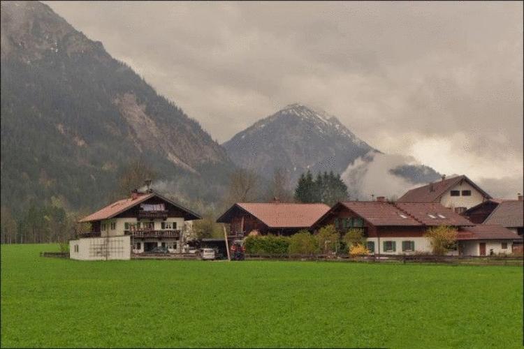 Как выглядит расписная альпийская деревушка