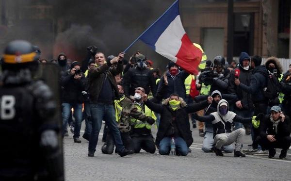Французские спецслужбы рассл…