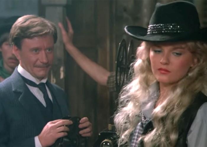 Как изменились актеры, снявшиеся в комедийном вестерне «Человек с бульвара Капуцинов», через годы после съёмок