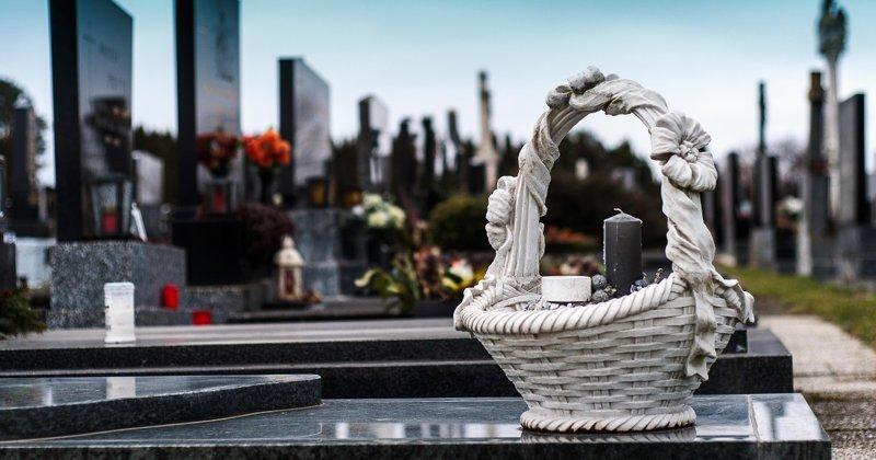 Мать свела в могилу родную дочь. И кому она теперь нужна, эта вздорная старуха?