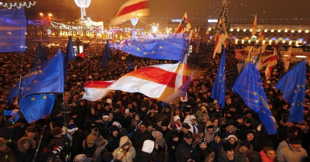 Беларуси грозит оказаться беззащитной перед лицом «демократизации»