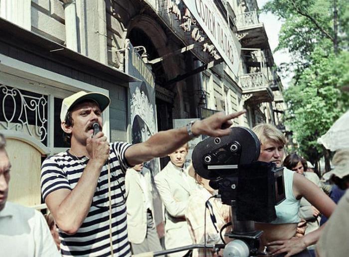 Режиссер на съемках | Фото: kino-teatr.ru