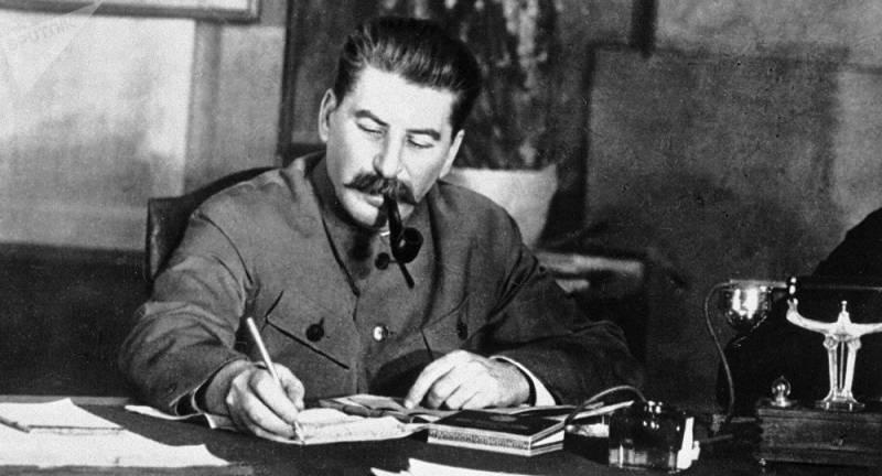 Экономические проблемы позднего СССР, приведшие к его распаду