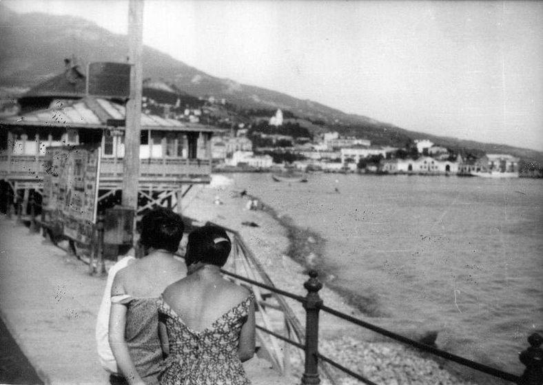 Как отдыхали в Ялте в 1926 году