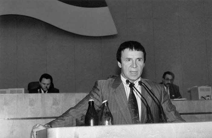 Как сложились судьбы 5 самых известных в СССР экстрасенсов история,личности,СССР,экстрасенсы