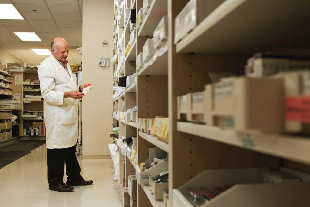 «Нельзя гарантировать, что чума или холера не приобретут защиту от антибиотиков». Биологи об устойчивости к антибиотикам — вызове XXI века биология,будущее,здоровье,медицина