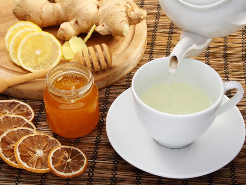 Бесполезны при простуде: какие продукты давно пора убрать из списка лечебных