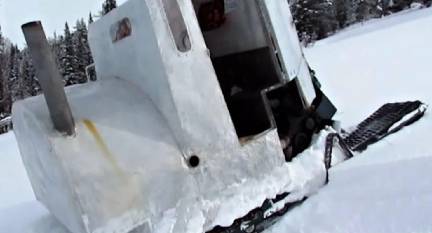 В Сети рассказали об уникальном вездеходе СКАТ-2 с печью и кроватью Автомобили