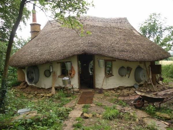 Как бывший учитель школы искусств построил дом за $250