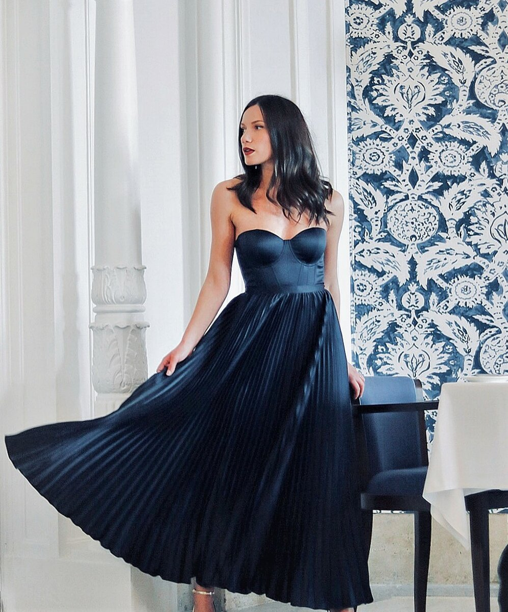 Платье плиссе: трендовые идеи для невероятных летних нарядов