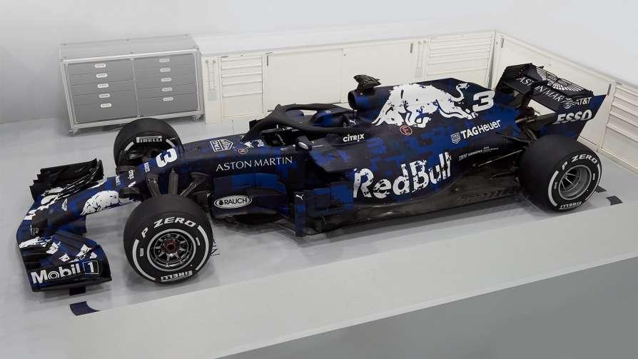 Red Bull представил болид на…