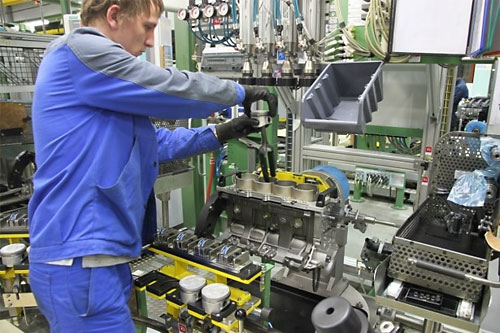 LADA Largus подешевеет на 20 000 рублей за счет нового мотора