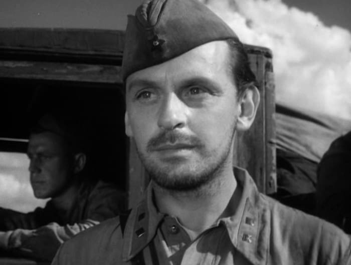 Всеволод Сафонов в фильме *Солдаты*, 1956 | Фото: kino-teatr.ru