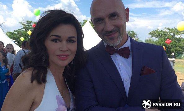 Анастасия Заворотнюк удивила поклонников «новым» лицом
