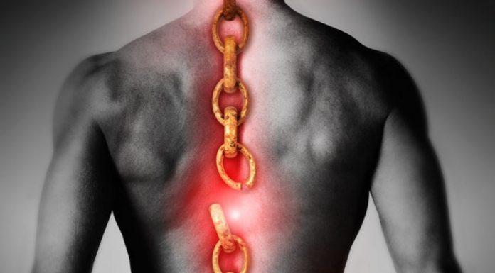 Болит спина, грыжи, протрузии? Упражнения для спины Смотрим и повторяем!